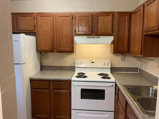 MacArthur Park Apartments apartment interior kitchen